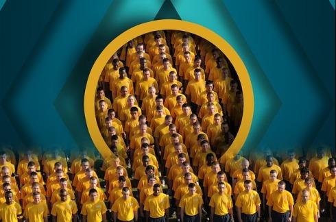 Persone a getto continuo dalla galleria della miniera d'oro umana (dal sito di immagini gratuite Piaxabay.com